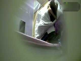 小旅馆偷拍方言美眉和小胖哥开房