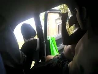可惜了这么漂亮的台湾靓妹印度旅游邂逅个开出租的阿三司机和他野外车震_