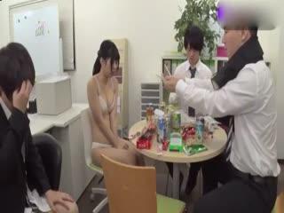 新女员工的国王游戏[中文字幕]