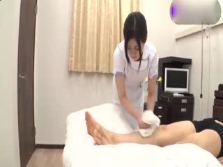 极品护士帮你打飞机[中文字幕]