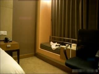 91土豪酒店約操高顏值性感高挑大長腿美女嫩模,黑絲高跟包臀裙猛操,爽的大叫:你的好大,好癢,好舒服
