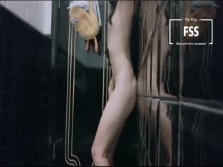 露出网红『冯珊珊』新任务达成-男厕间里面全裸