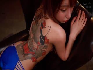 [中文字幕]REALCN 刺青の女 黒咲しずく 般若オーガズムSEX パンティとチェキ付き