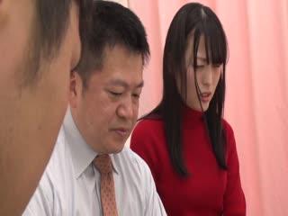 [中文字幕]SCPXCN 「うちの嫁とヤッたんだから お前の嫁とヤラせろ!!」旦那の目の前でリベンジ寝取り