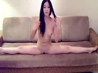 【国产】国模冰冰无码原版裸拍视频流出