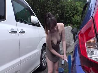 GZAP-022 近所で洗車しているノーブラ奥さんにマル秘媚薬バイブをぶっ挿し固定!!野外拘束されながら山芋媚薬が疼き