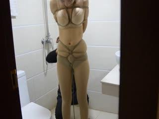 厕所里捆绑女票玩sm